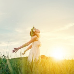 calm-teenager-with-sun-background_1150-410